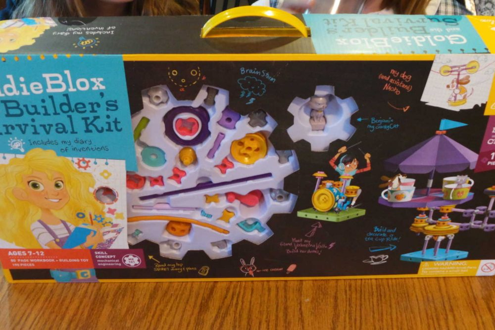 All The Girls Love GoldieBlox #Giveaway #LookatGoldie