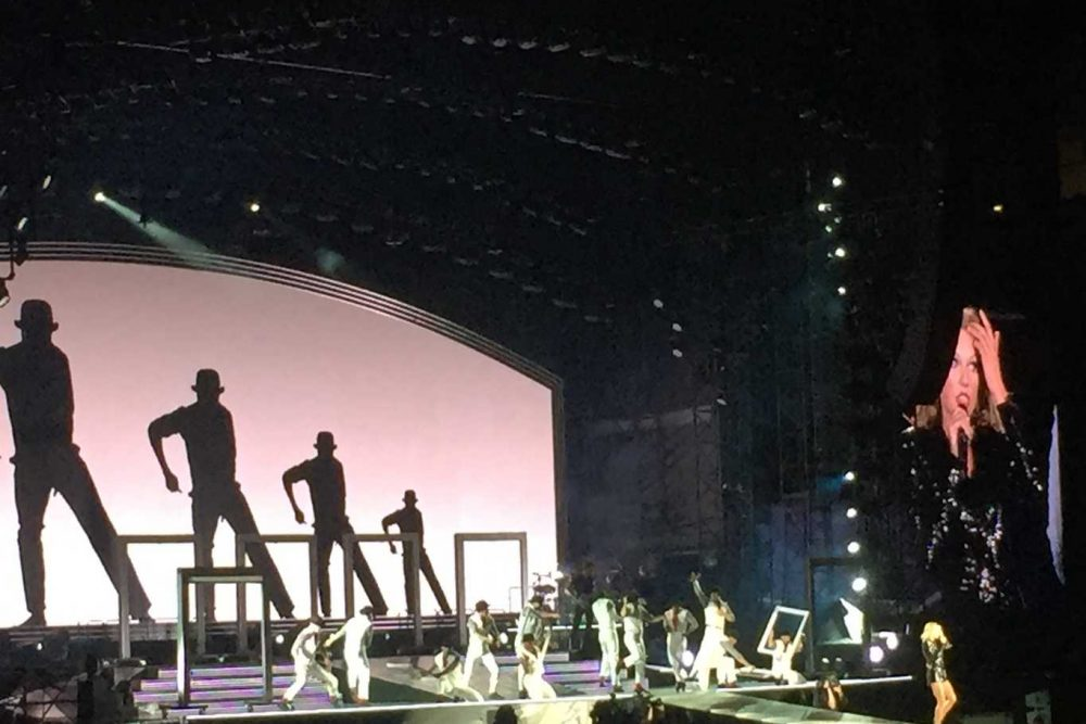 10 Reasons You Have To Go See Taylor Swift's 1989 Tour