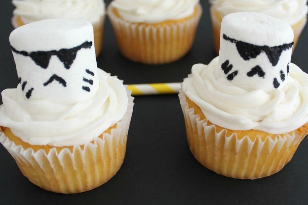 Star Wars The Force Awakens Review With A Storm Troopers Cupcakes Recipe