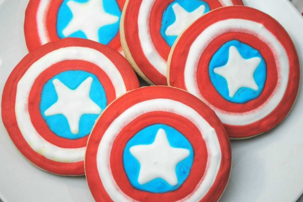 Celebrate Captain America Civil War In Theaters With These  Captain America Shield Cookies!