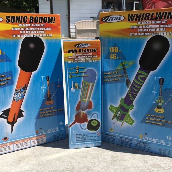 It's model rocket season: let your kids have a blast!