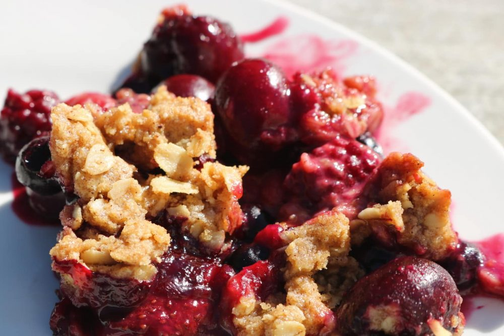 Easy Frozen Berry Crisp Recipe