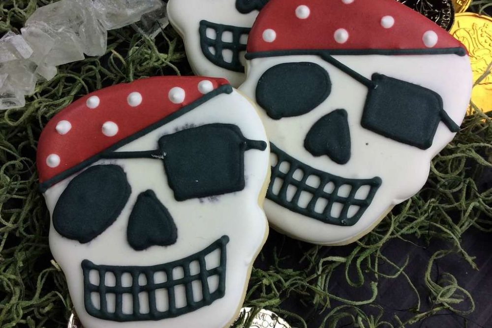 Pirates Of The Caribbean: Dead Men Tell No Tales – New Featurette and A Pirate Skull Cookie Recipe!