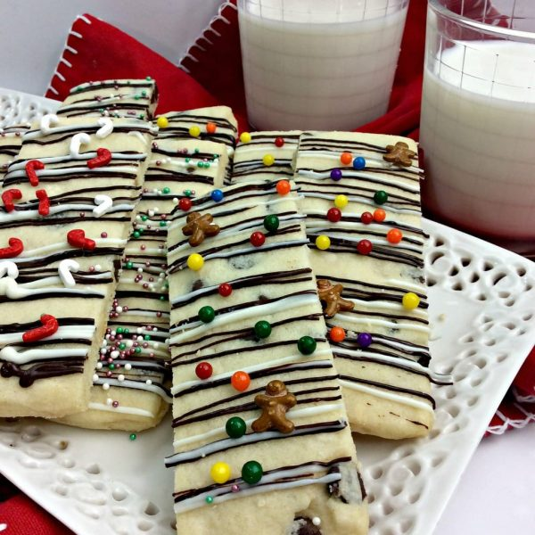 Trolls Holiday Movie Night + Holiday Cookie Stick Recipe
